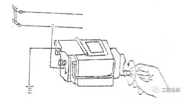 测量方法如图所示. 将摇表接线柱的(e)接机壳.