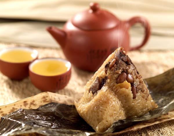端午节,粽子和茶搭配更a粽子太极大师格斗视频教学视频图片