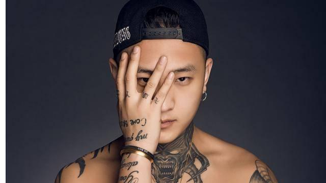 方丈在快手上一直都以霸气自居,再加上他身上的纹身确实看着确实很