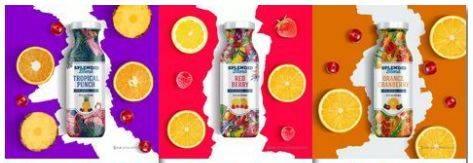 splendid 果汁饮料的包装设计,通过大面积水果手绘插画作为底纹,在