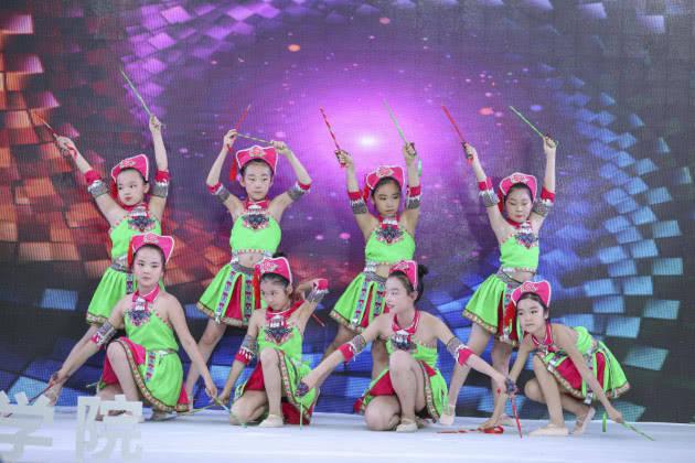 碧桂园2018新丝路中国国际少儿模特大赛 郑州赛区二七