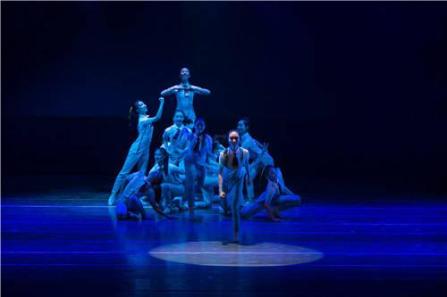 群舞《奔跑吧青春》【南京青年舞蹈周】图片