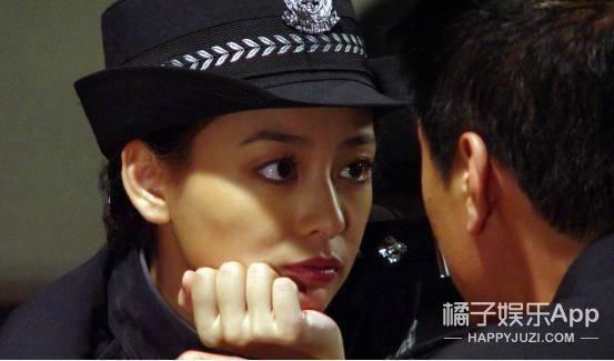 2005年,陈佳妍主演了电视剧《野火韩剧斗春风》,剧里那个美丽a野火,爱古城化妆师图片