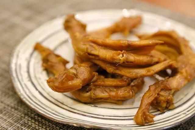 平均店龄10年+!郑州这些街头档口做的鸡猪肉好吃不贵!鸭肉月饼咋做图片