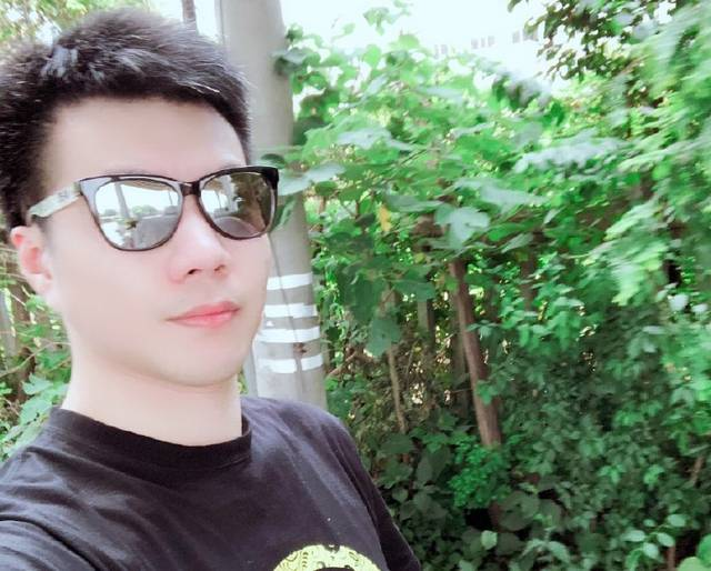 黄毅清被扒并非富二代,还骗粉丝,戴假表和被追债