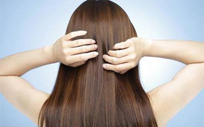 可以帮助你在享受夏天的时候避免头发的损伤.