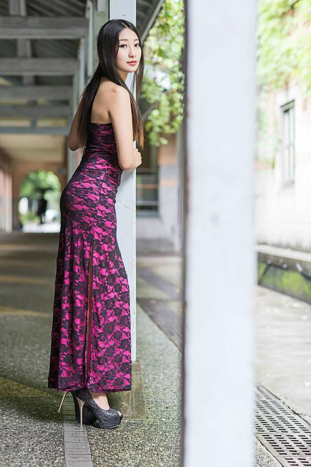 如美女美妇蜜穴_美女摄影:旗袍美妇