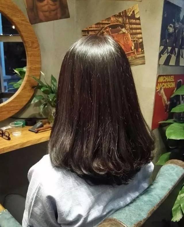 """2018年流行""""女神勾""""烫发图片"""