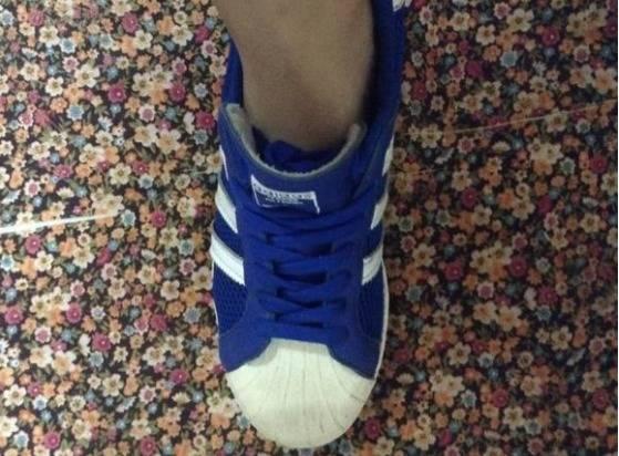怎样把鞋带藏起来图解,怎么隐藏鞋带不会跑出来,简单又舒服!