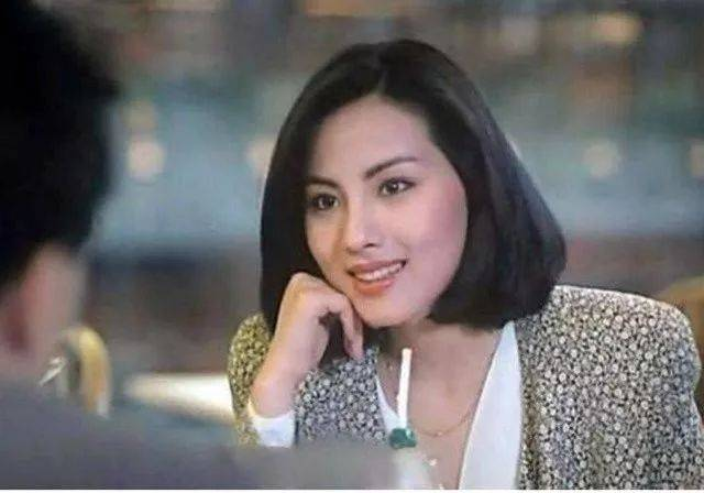 她拒演《红楼梦》王熙凤,却当小三拍三级片,28岁打架跳楼,把名字好牌电影自杀的恐龙叫什么一手图片