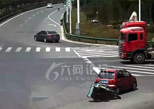 六安车祸_六安舒城:任性司机跨实线连续变道酿车祸 无辜三轮车司机遭殃