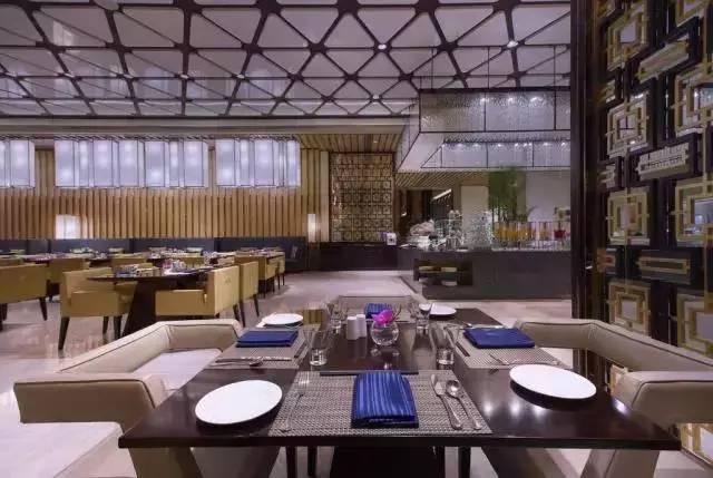 自助的品种还是很丰富的,西餐中餐一应俱全,食材也非常的新鲜.