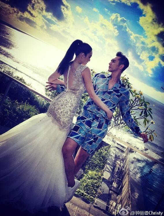 所以拍婚纱照时也特意穿了一套鱼尾裙.图片