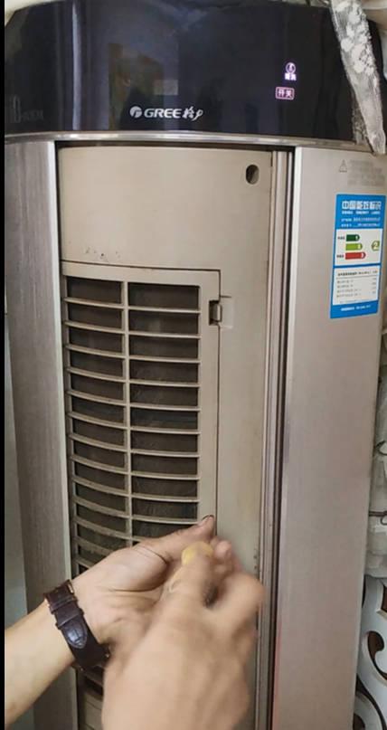 格力圆柱空调过滤网如何拆卸图片