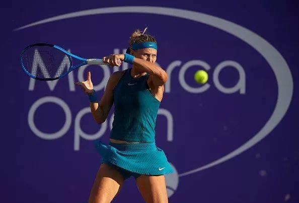 马洛卡赛女单次轮,3号种子,卫冕冠军塞瓦斯托娃激战93分钟以1-6/6-3