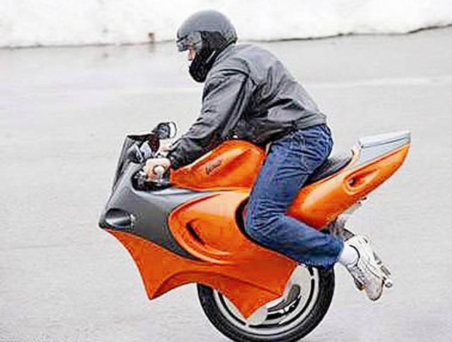 老外发明会变形的摩托车, 独轮两轮任意切换, 回头率100%