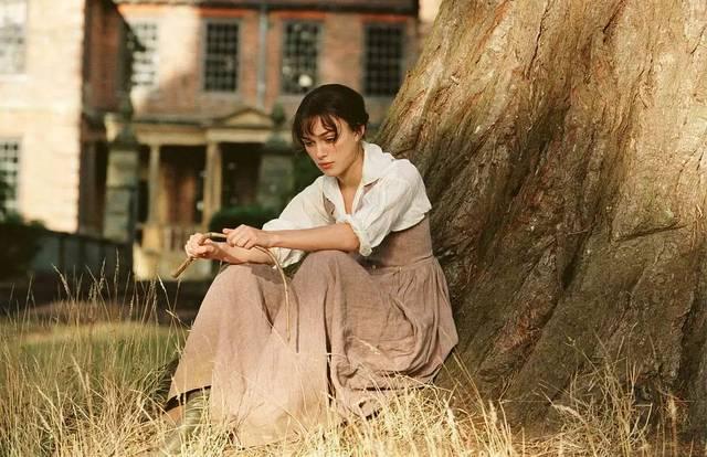 比如,我们熟知的英剧《唐顿庄园》,还有景比剧好看的