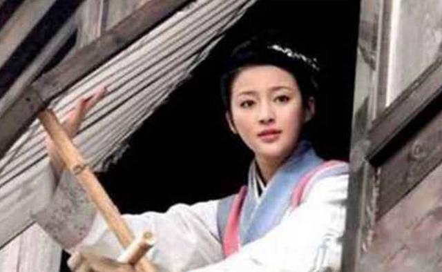 他的原型叫严世蕃,和西门庆一样的坏,只不过最大的差别就是西门庆是高