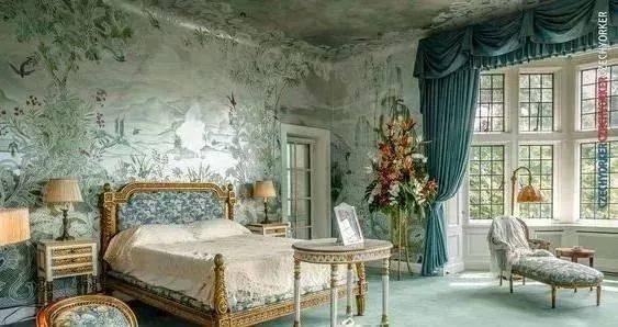 源于法国古典建筑室内风格具有强烈的巴洛克特征, 但是更柔美,色彩多