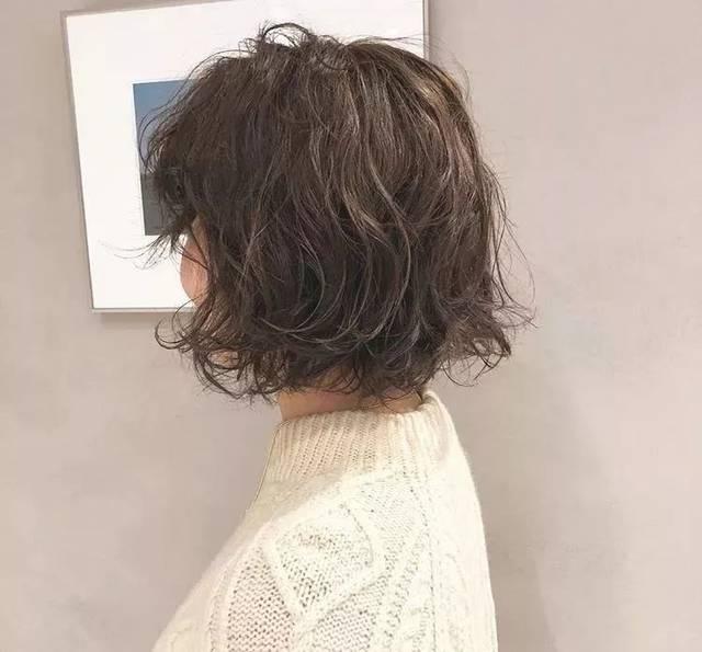 不规则短发烫发,才是今年最火的发型图片