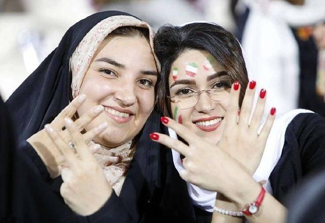 观看37_世界杯历史时刻:苦等37年的伊朗女球迷终于可以去球场观看比赛
