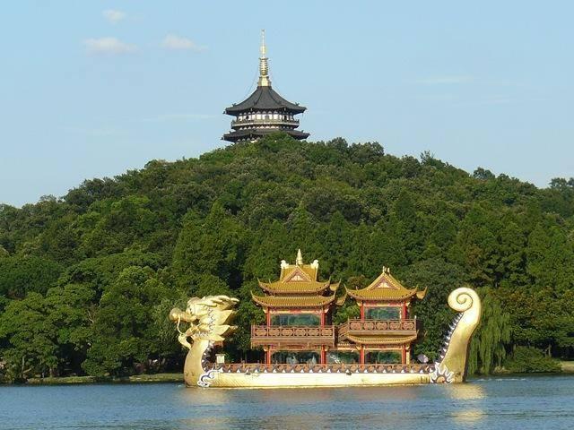 重庆,成都与杭州,不看城市经济,只看旅游你会去哪个城市?