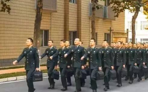 部队考军校的书籍武警_桂林教育@关注|想考军校?想当武警?9所院校在广西招生,别错过!