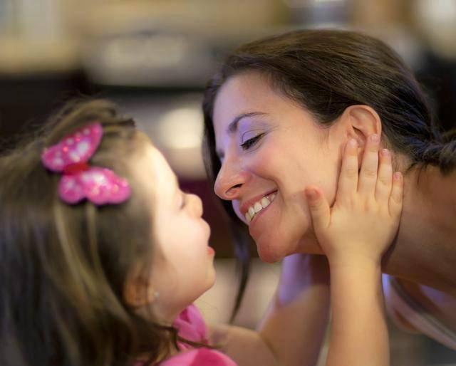 Любят дочек лезбиянок мамы