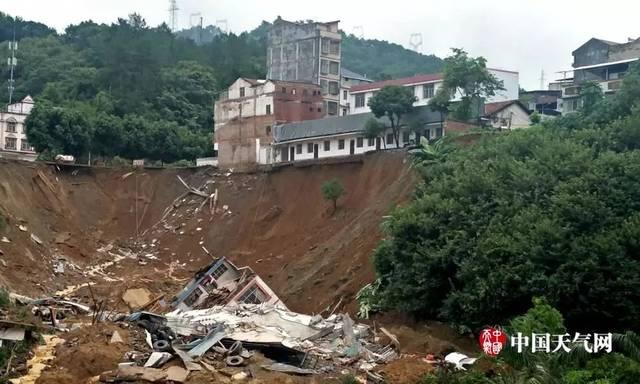 广西人,请警惕暴雨!泥石流,山体滑坡,房屋倒塌……已有人死亡!