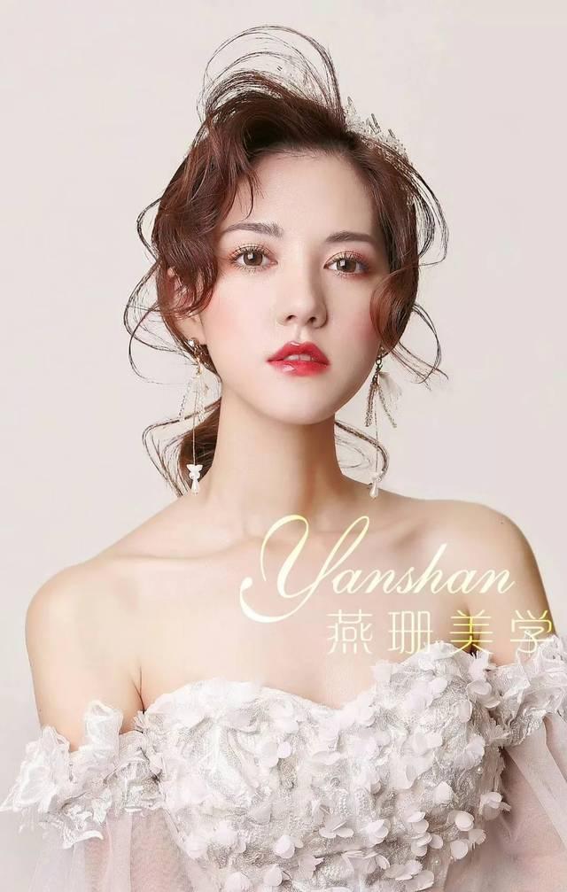 新娘造型,还是喜欢鲜花森系风!图片