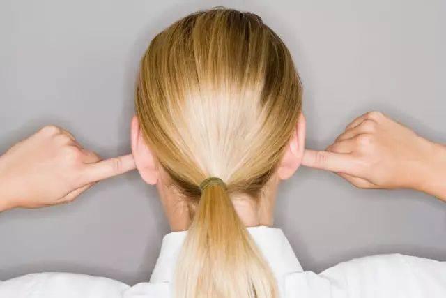 经常性走光_介绍,经常性的耳鸣会令人心烦意燥,难以入眠.