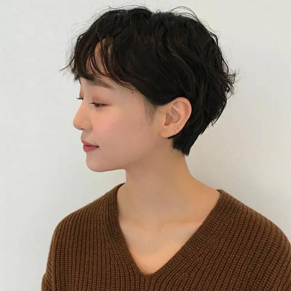 短发齐耳清爽又好看,2018流行齐耳超短发,撩妹又撩汉
