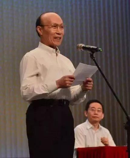 北京京剧院艺术家叶金援先生代表院外艺术家讲话.图片