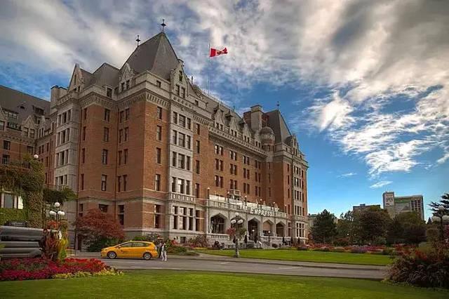高考后加拿大留学申请攻略!
