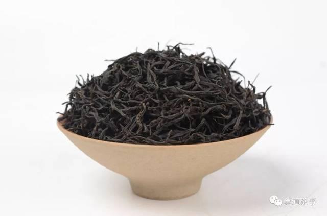 另一个就是台湾乌龙茶,白毫乌龙,冻顶乌龙都是闻名天下的.图片