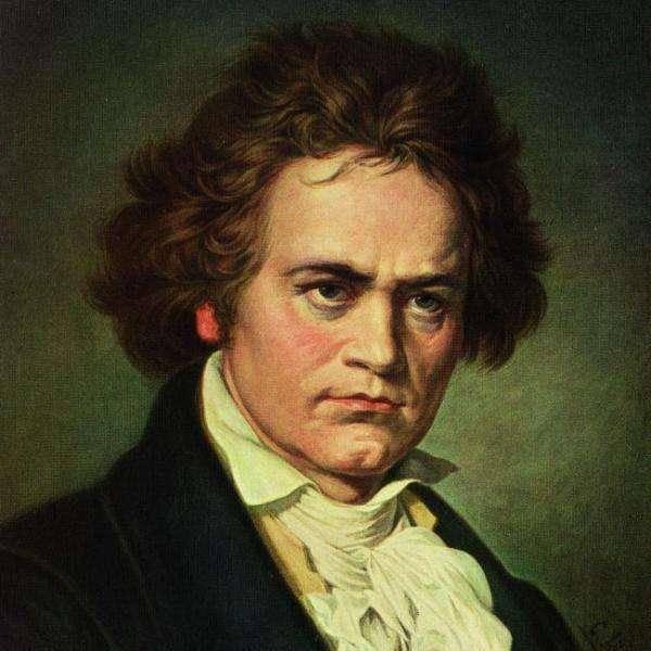 在贝多芬的钢琴奏鸣曲中,《悲怆》是第一首由他本人亲自写上标题的
