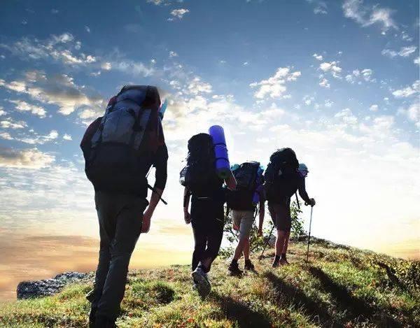 徒步户外登山技巧