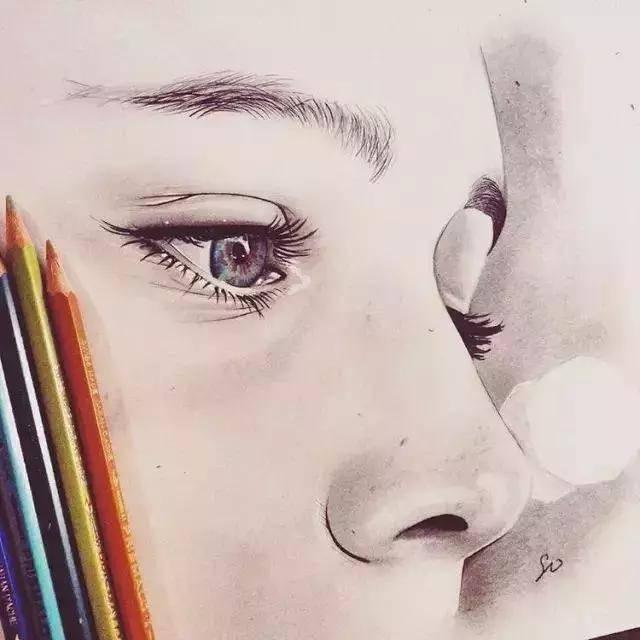 素描流泪眼睛的简笔画