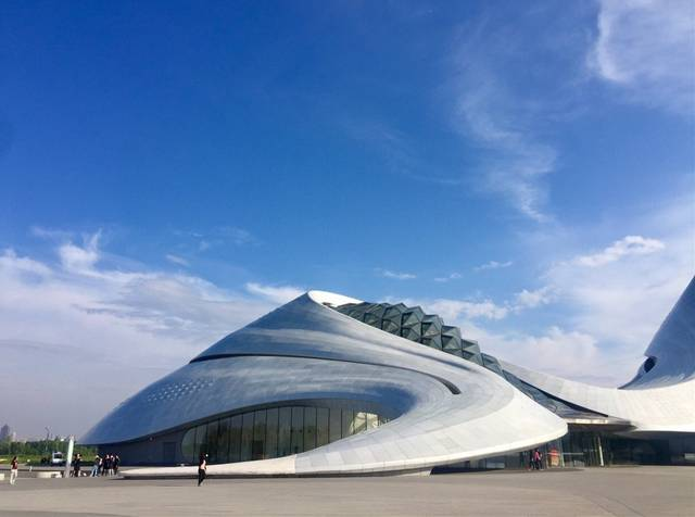 哈尔滨一地标被外媒称为中国最美建筑,堪比悉尼歌剧院