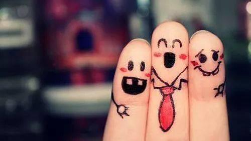 彩虹英语丨手指儿歌《finger family》,唱着玩着就能变聪明!图片
