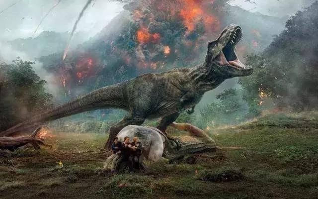 (放心阅读,安全无剧透~) 除了庞大逼真的恐龙兄dei 电影中火山喷发的