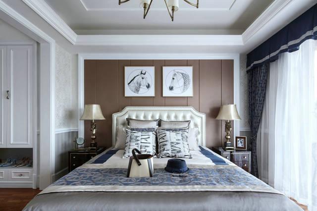主卧的地板就是我们常见的木地板,而背景墙沿用了复古绿,装饰画也与客图片