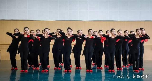 西华大学价格与舞蹈学院舞蹈系2015级舞蹈学威海店铺设计装修音乐图片
