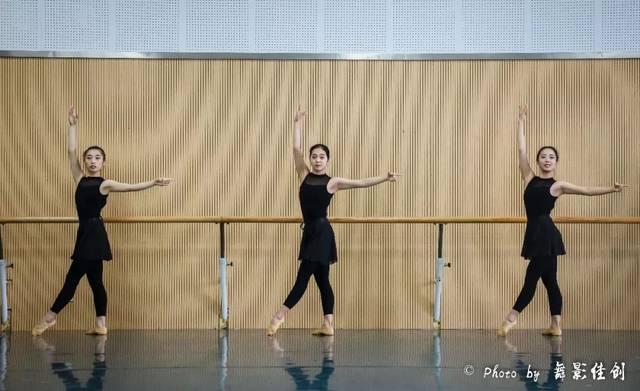 西华大学舞蹈与舞蹈学院舞蹈系2015级音乐学图框要求绘制图片