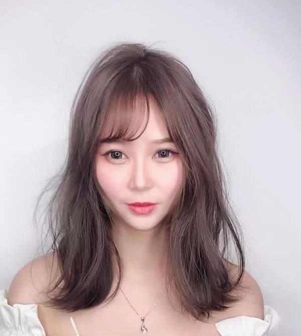 2018抖音网红发型 中长发最新发型女!图片