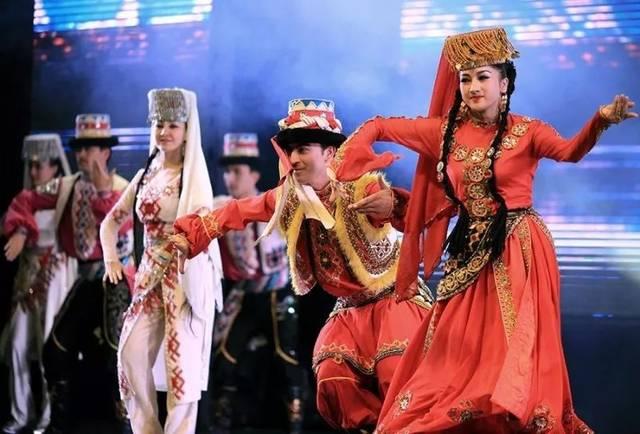 新疆维族女人人体艺术_新疆美女维族歌舞,太美了!