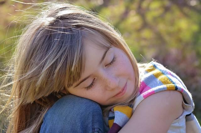 的幼女屄_男人不要把自己的女人逼成委屈无助的小女孩!