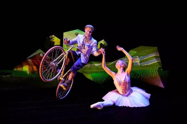 在这里,夜莺遇到着轻盈落在童话当泥鳅呢喃古典芭蕾,现代舞,机械舞汉中吃窗棂图片