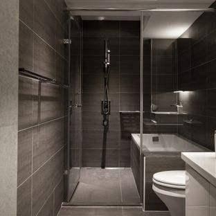 卫生间的空间大小也决定了墙砖地砖用什么类型的色调,空间小的尽量用