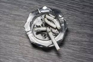 吹烟法同理还可以运用于检测发动机曲轴箱气体单向阀(pcv)是否畅通图片